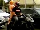 Harleyfahrer ham geile Weiber und keine Bremsen, Triumph bremsen wie Sau ...