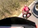 Grenzwertiges Andrücken: KTM 950SM vs Ducati Multistrada