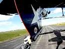 """Hammer Motorradstunt: Flugzeug """"fangen"""" mit den Werth Brothers"""