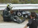 Harter Crash in Leitplanke (Snake), Unglaublich Fahrer fährt mit dem Teil heim!?!