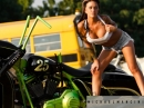HD Road King von Back Yard Baggers und Carly Dukes - Erotisches Shooting