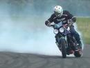 Higspeed Drift / Burnouts bis Reifen und Triple kotzen - Wheelieholix Triumph Stunt Team