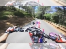 Supermoto Honda CRF 450 engagiert im Winkelwerk bewegt - Braap