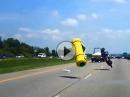 Horror Crash weil Ladung verloren - Fahrer leicht verletzt - Schutzengel