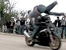 Crash Motorrad Überflug - Asphalt knutschen: Leapfrog zu niedrig, Überschlag filmreif