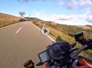 'Ihr erstes Mal' KTM 1290 Superduke R brüllend im Schwarzwald von KurvenradiusTV