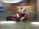 Indoor Supermoto: Ist es draussen kalt und nass, hab halt in der Halle Spaß