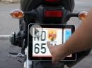 iPlate - das GPS gesteuerte und wechselbare Motorradkennzeichen Geil!