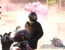 Motorradfahrer Verarsche: Ich glaub mir brennt der Kittel, oder das Motorrad ...