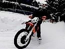 JETI Xtreme: Motorrad Fun mit Spikes und KTM im Schnee