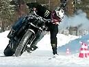 Jorian Ponomareff: Drifting on Ice Motorrad Gymkhana von einem der Besten auf dem Planeten