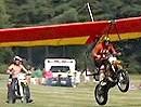 Kann ein Motorrad fliegen? Travis Pastrana probierts aus! Wer sonst?