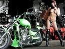 Kann man mieten: Green Hell, das Mädel und die Loks ;-)