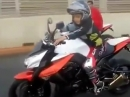 Kindermotorrad Kawa Z1000? Kleiner Junge 7 Jahre im Straßenverkehr?!