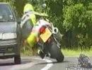 Motorrad Extremisten: Knapp, knapper am knappsten. Profis, Spinner, Selbstmörder, Idioten?