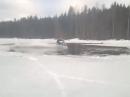 Kommt der Winterfahrer an ein Loch, lässt er stehen - geht dann doch!