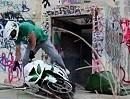 Krazy Kyle und Kumpels: Crazy Motorradstunts in geiler Location - mit Bart: Mustache Missions
