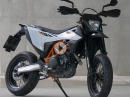 KTM 690 SMC R - Supermoto Test in Portimao by Jens Kuck Motolifestyle
