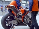 KTM RC16 MotoGP Projekt: Roll Out der KTM - The Road to Qatar 2017