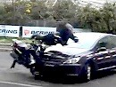 Lebender Dummy - Crashtest Bering Motorrad Airbag