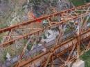 Lebensgefährlich: Mit dem Fahrrad über das Mala Rijeka Viaduct