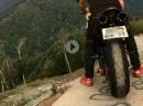 """Lebensmüde: Yamaha R1 """"Brückenauffahrt"""" - Schwindelfrei ist hilfreich"""