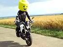 LEGO Dorsoduro Akrapovic - Ein alter Helm, etwas Styropor und Farbe ... und zuviel Zeit