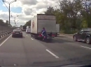 LKW Crash: Gepennt, zu schnell und Einschlag! Übersehen?