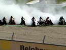 Massenburnout KTM Superduke Battle als Danke an die Fans