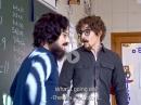 Mathelehrer: Marc Marquez vs. Dani Pedrosa als Lehrer in der Schule