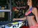 Mayra Tinajero - Motocross Pin-Up, fährt selbst Motocross