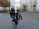 Wheelie geht auch ohne Leistung