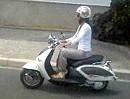 Motobine - meine Süße auf ihrem Motorroller Aprilia Mojito Costum