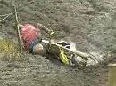 Motocross Crash: Attacke - links innen Dreck, rechts innen Dreck