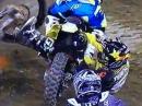 Motocross Crash: Eingeklemmt im Hinterrad