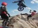 Motocross Crash: Schlägt das Bike alleine ein, muss irgendwo der Fahrer sein