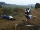 Motocross Crash: So sollte man einen Fluß NICHT überqueren