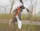 Motocross Crash - wenns Motorrad allein springen will, tuts weh. 'I believe i can fly'