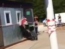 Motocross Crash: Wir alle haben diesen einen Freund ;-) Powerwheelie mit Einschlag