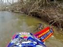 Motocross Wasser Crash: Blub, blub, blub - abgesoffen