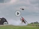 Motorcross Big Jump über Flugzeug - geiler Stunt, geile Bilder