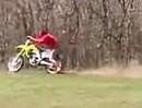 Motorcross Crash Fahranfänger: Gas aufgerissen, Crosser in den Dreck geschmissen - Autschn
