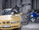 Motorrad Airbag-Westen Crash Test vom ADAC