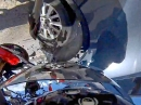 Motorrad Auffahrunfall: Weggekuckt, hingekuckt, Heckklappe