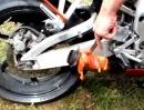 Drehzahl Grilling Motorrad Auspuff Schnitzel an Drehzahl und Motoröl