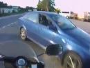 Motorrad Autounfall: Wenn die Lichter ausgehen, ist zu 80% ein Dosentreiber schuld