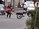 Motorrad cool eingeparkt - naja fast