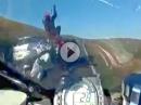 Motorrad Crash: Ach Du Sch***** - der hat aber richtig gepennt!