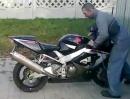 Motorrad Crash: Burnout, Grip, Einschlag - So sehen Helden aus