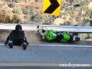 Kurven Schicksale: Motorrad Crash Compilation an der Snake